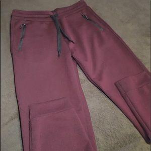 Men's size medium 32 Degrees maroon sweats